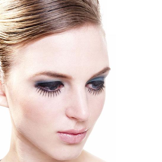 Featuring Dollface False Eyelashes & Tips On How To Apply